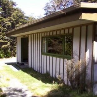 02-10-hut front