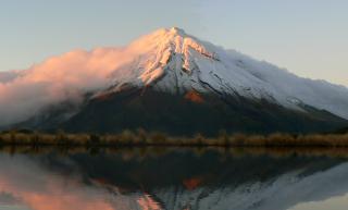 AG-sunrise-on-Taranaki